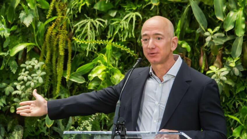 La fortune du milliardaire Jeff Bezos fait un grand bond grâce à COVID-19, d'ou l'homme le plus riche